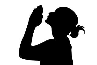 Woman-praying-1935186_640