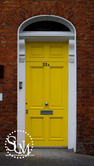 Door SUM logo